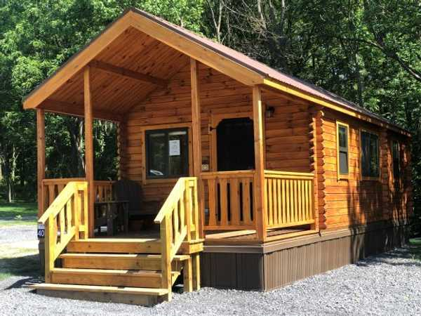Small Lakeview Cabin