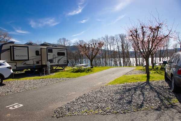 River Row Back-In RV Site