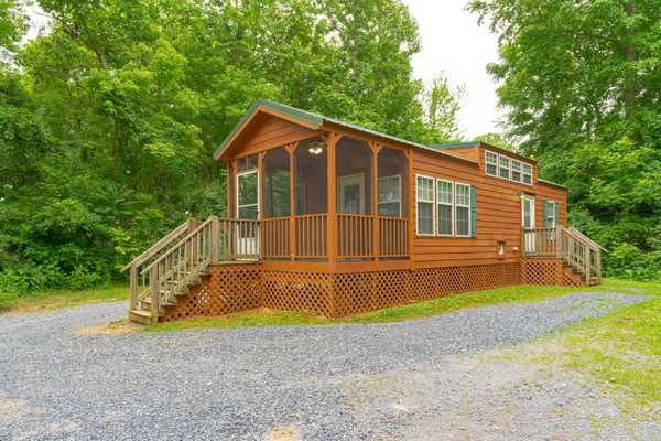 Yogi Bear Lakeside Family Lodge