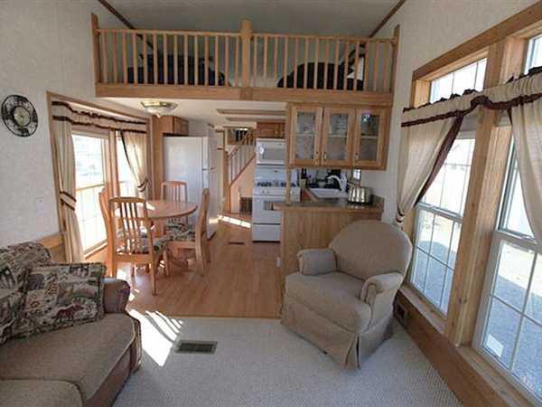 Deluxe Cabin/bedroom/loft/kitchen/bath