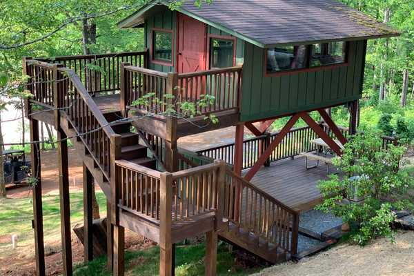 Lake View Treetop Cabin