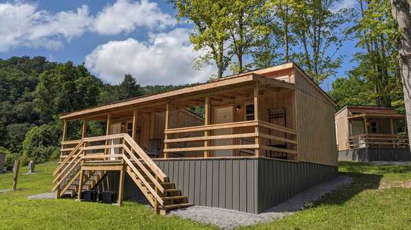 Small Cabin - Sleeps 3