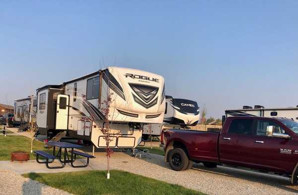 Luxury RV Site Pull-through (2nd hook-up add-on available)
