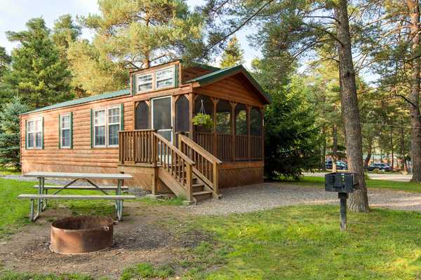 Premium Buddy Cabin 2 Bedroom