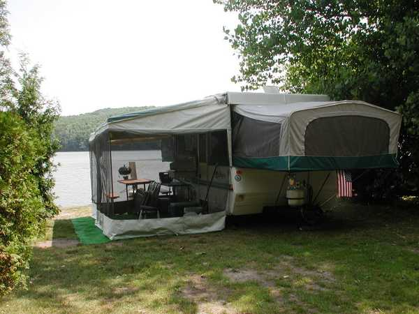 Lakefront Water/Electric Popup or Tent Site