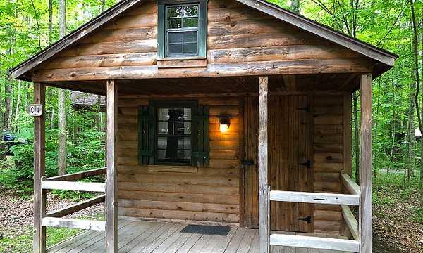 Cozy Cottage (Sleeps 6)