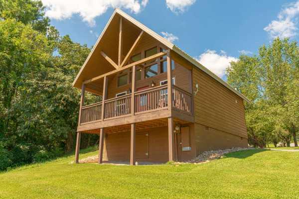 Deluxe Cabin Rental 1 Bedroom w/Loft