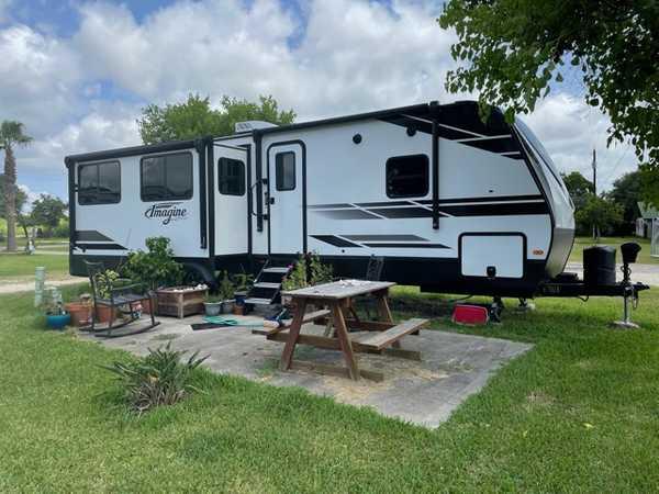 Basic Pull Through RV Site - Dry Camping