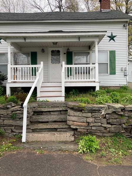 3 Bedroom Farmhouse Cottage