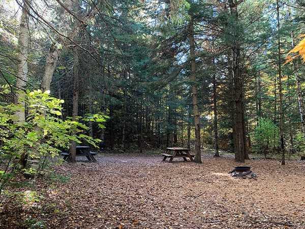 Moonlight Bay Tent & Trailer Park