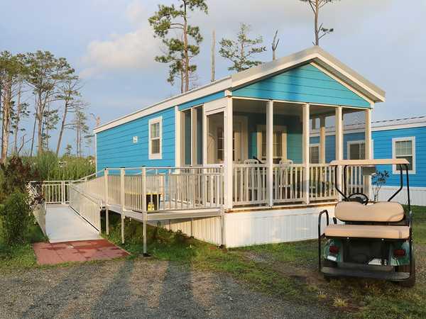 Lagoon Deck Cottage- Handicap