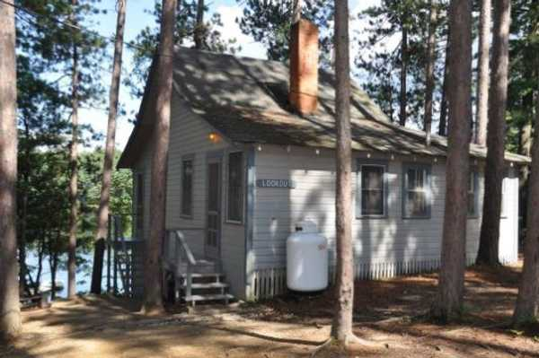 Lakefront Two Bedroom Cottage