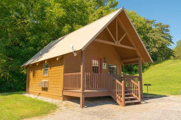Large Cabin Rental 1 Bedroom w/Loft