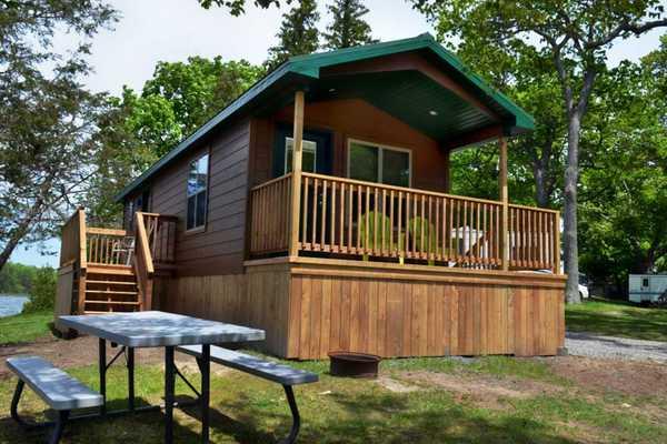 Vacation Cabin 2 Bedroom 1 Bath
