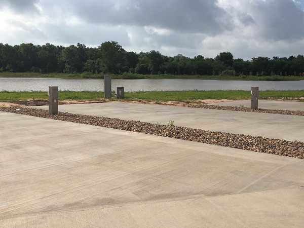 20/30/50 Amp Standard Waterfront RV Site