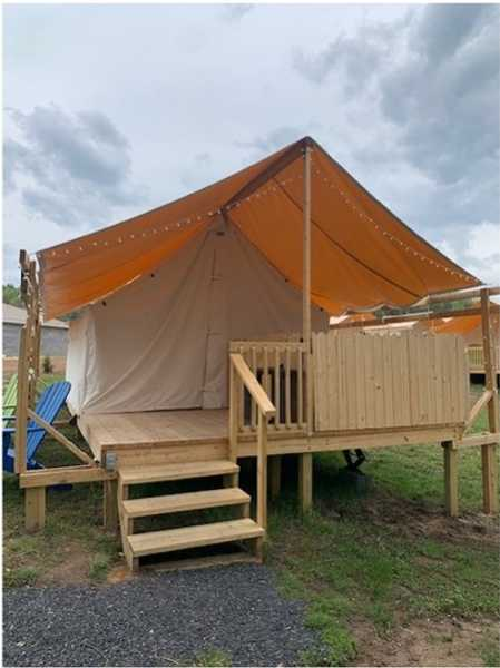 Double Hot Tub Love Glamping Pod
