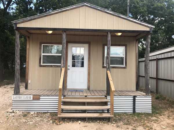 1 Bedroom Cabin