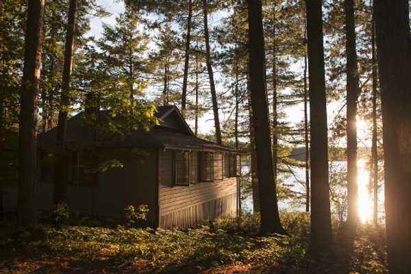 Lakefront Four Bedroom Cottage