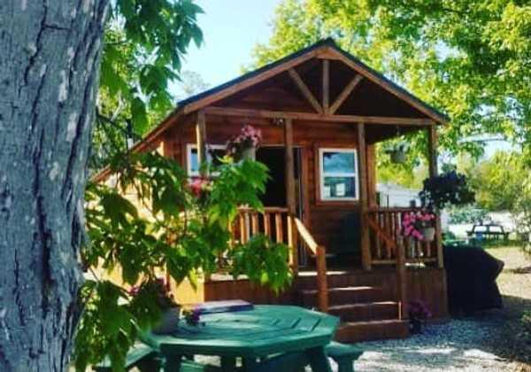 2 Bedroom Delux Cabin