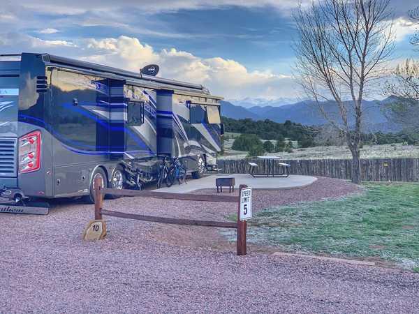 Premium Plus RV Site with Patio 30/50 Amp