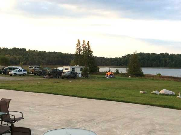20/30 amp Deluxe Inland Lake RV Site