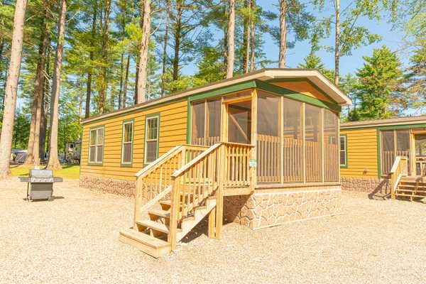 Premium Cabin 2 Bedroom 1 Bath