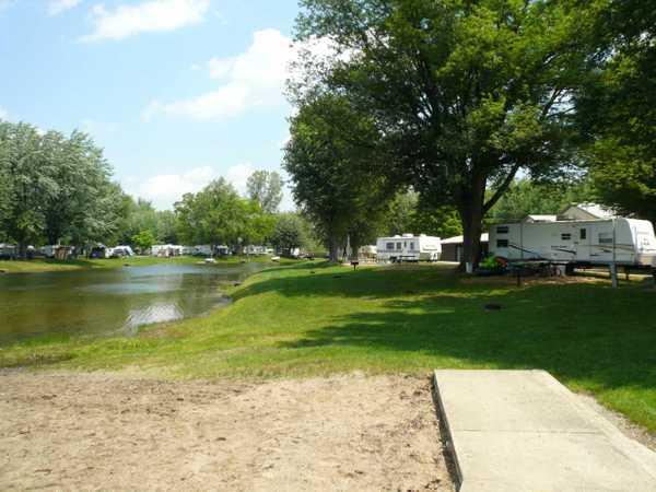 Lakefront Standard Back-In RV Site