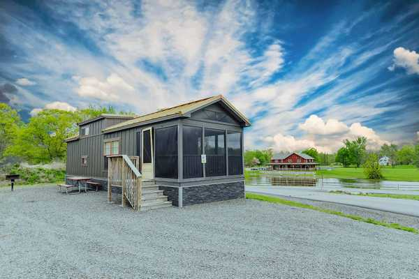 Hillside Premium Loft Cabin