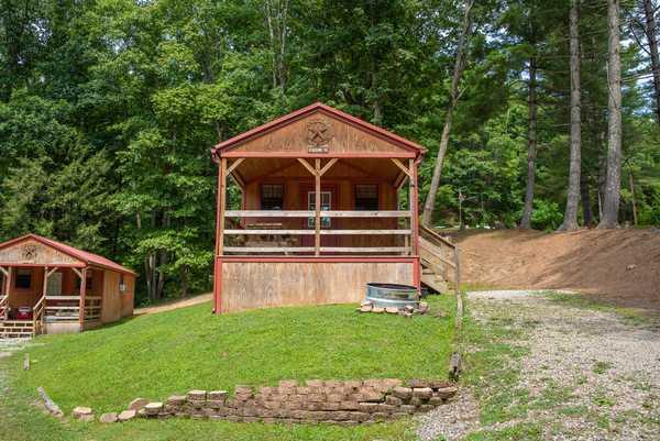 Lake Stephens: Medium Open Floor Plan Cabin