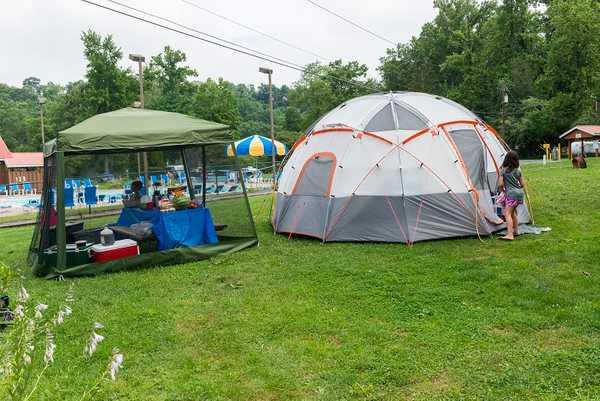Pool Side-Tent