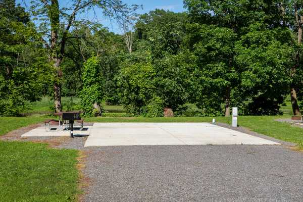 Riverfront Red Carpet RV Site