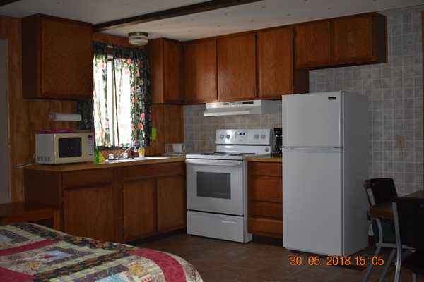 Full Kitchen Suite Two Doubles, Two Singles