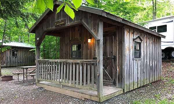 Woodsman's Hut (Sleeps 4)