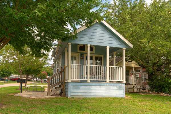 Premium 1 Bedroom Cottage with Loft