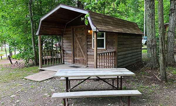 Timber House (Sleeps 4)