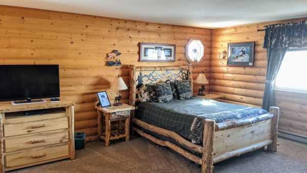 Trapper Lodge Room
