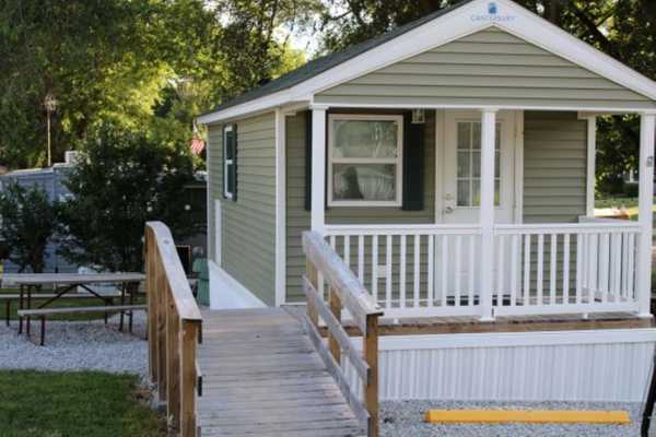 Yogi Bear Comfort Cabin