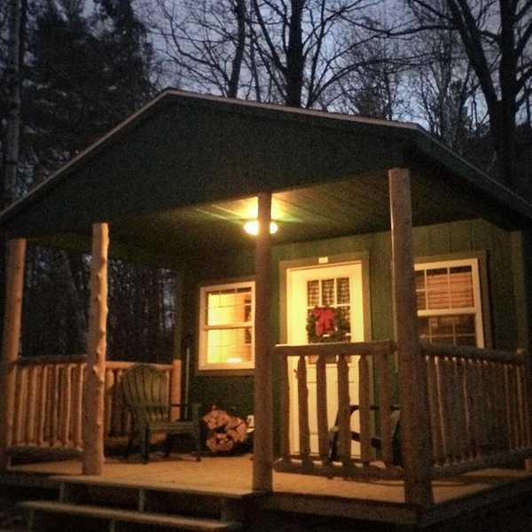 Deluxe One Bedroom Cabin 37