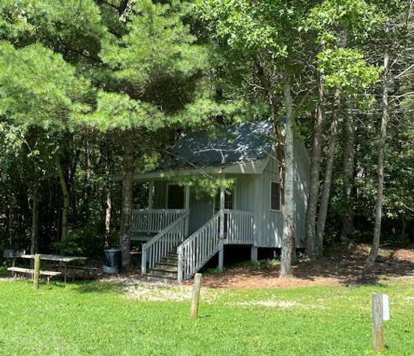 Camping Cabin (Lakeview)
