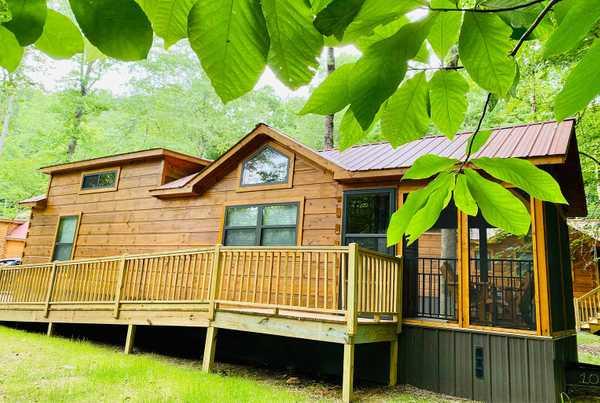 Lisenberry Loft Cabin