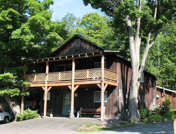3 Bedroom Pre-Civil War Barn