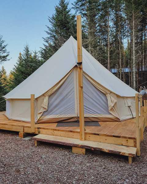 Bell Tent/Bathroom & Kitchen Building