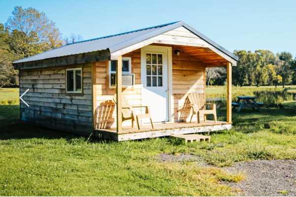 Cabin by water, sleeps 5