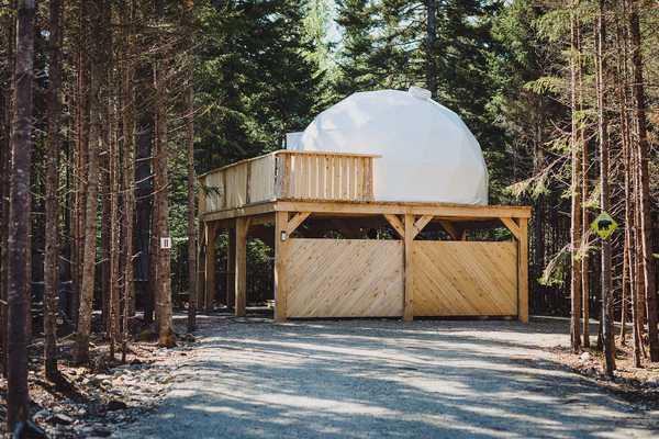 Raised Dome w/ Wooden Bearel Hot Tub
