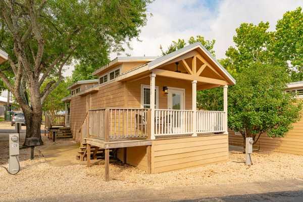 Pecos Deluxe Cottage Rental